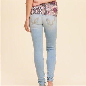 🌀🌀Hollister Light Denim Jeans 🌀🌀